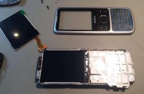 Nokia 6700 kijelző csere